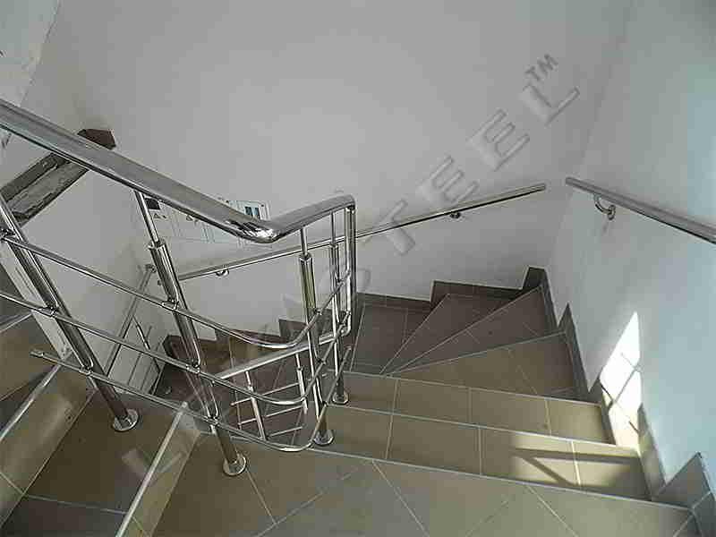 Поручні на сходи з нержавійки Тернопіль, Перила из нержавейки, Перила Тернополь нержавійка