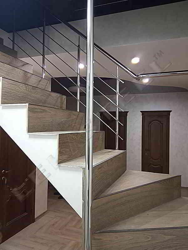 Перила на сходи в будинку, Перила Ровно, Перила з нержавійки